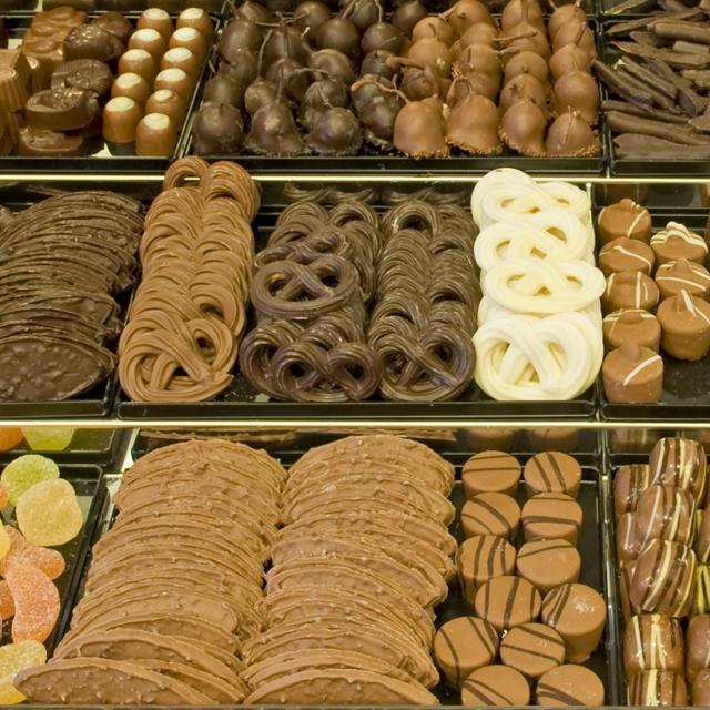 Ruim assortiment chocolade en bonbons